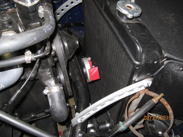1973 triumph tr6 13 blade red radiator fan self destructed : tr6
