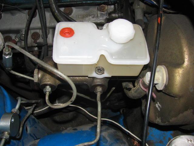 TR7 brake reservoir.JPG