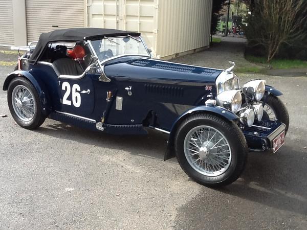 1937_Triumph_Gloria_Blue_John_L_000.jpg