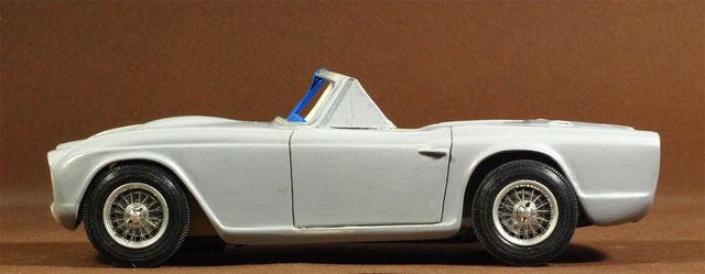 Left side wheel centering DSC_2067.jpg