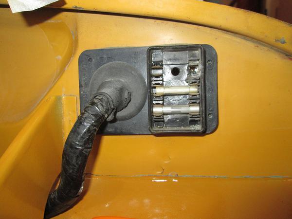 fuse box repairs spitfire gt6 forum triumph experience car rh triumphexp com 1979 triumph spitfire fuse box triumph spitfire mk3 fuse box