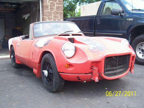 here's a spit with of those fairly rare fastback tops : spitfire
