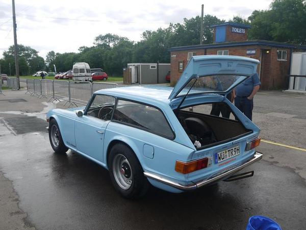 triumph-tr6-shooting-brake-1.jpg