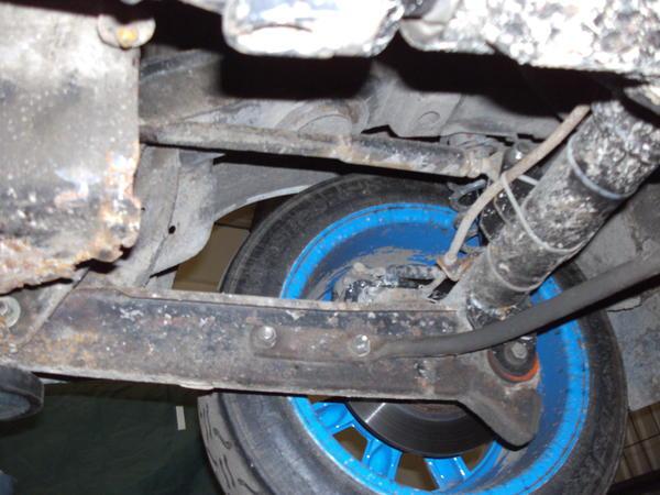 rear axle  left.JPG